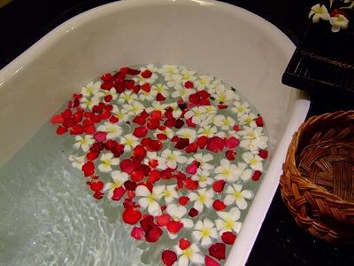 夜のお風呂は美容健康にいいですよ